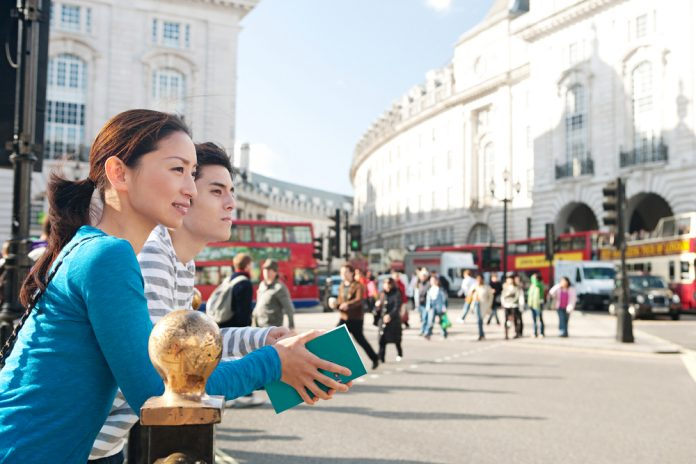 piccadilly tourists
