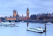 boats and thames