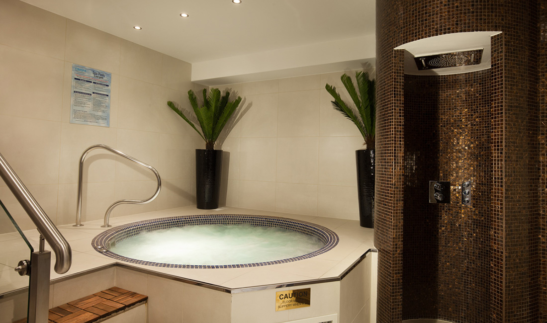 Jacuzzi Piccadilly.The Piccadilly The Montcalm